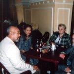 <p>С участниками Международного Конгресса г. Москва, 2000 г.</p>